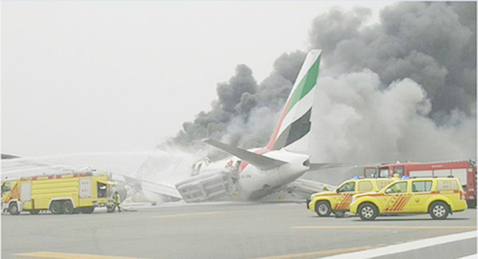 emirates-flight-crash-with-275-passanger-rescued